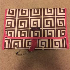 Makeup bag Bag with hook that opens up and has many pockets. Brand new never used Makeup Brushes & Tools