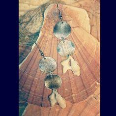 серьги; материал: морские ракушки, металл. #серьги #хендмейд #handmade #earrings #украшения #украшенияручнойработы #handmadejewelry #jewelry #jewellery