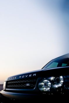 A range rover is my dream car, it has been for a really long time. It's almost like my goal to be able to afford it when I'm older. This represents American culture because we are always trying to achieve our dreams and become more financially stable. Range Rover Auto, Range Rover Black, Range Rover Evoque, Range Rovers, Maserati, Bugatti, Bentley Auto, E30, Bmw E21