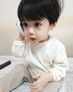 Jungkook lost everything in his life his family, his only best friend… Cute Kids Pics, Cute Baby Girl Pictures, Cute Baby Boy, Cute Little Baby, Little Babies, Cute Asian Babies, Korean Babies, Asian Kids, Mode Ulzzang