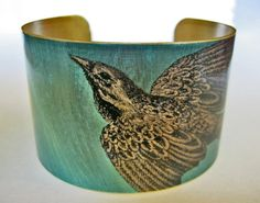 Bird Vintage style brass cuff bracelet - amazing....beautifulllllll