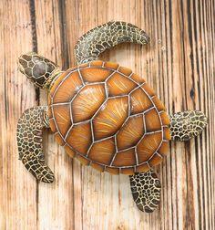 Sculpture Clay, Wall Sculptures, Sea Turtle Art, Sea Turtles, Graffiti Doodles, Nautical Marine, Wall Decor Online, Wood Fish, Rock Design