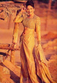 Indian Bollywood Actress, Bollywood Girls, Bollywood Saree, Bollywood Fashion, Indian Actresses, 80s Actresses, Bollywood Outfits, Shraddha Kapoor Bikini, Sonam Kapoor