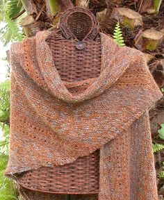 Crochet patterns for women ponchos prayer shawl 55 trendy Ideas Knitted Poncho, Knitted Shawls, Knitting Scarves, Knit Or Crochet, Crochet Shawl, Knitting Patterns Free, Knit Patterns, Knitting Ideas, Free Knitting