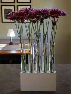 How to: Make a Dramatic Test Tube Vase in 3 Easy Steps Diy Wood Projects Dramatic Easy Steps Test Tube Vase Concrete Crafts, Concrete Art, Concrete Projects, Concrete Garden, Diy Design, Scrap Wood Projects, Diy Projects, Garden Projects, Diy And Crafts