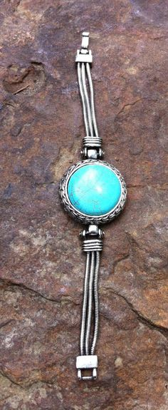 turquoise and silver together!  LOVE!