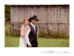 Rainy Wedding in the Fall | Lanark Highlands Country Wedding | Barn Wedding | Outdoor Wedding Jennifer Willard Photography | Weddings Perth Ontario Wedding Photographer Ottawa Wedding Photographer Kingston Wedding Photographer www.jenniferwillardphotography.ca