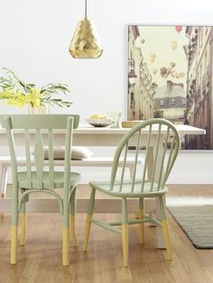 Chair For Bedroom DIY - - Reupholster Chair Farmhouse - Long Chair Brunette - Furniture Chair Modern - Ikea Chair Green Spray Paint Chairs, Painted Chairs, Ikea Chair, Diy Chair, Chair Pillow, Chair Bench, Old Chairs, Vintage Chairs, Wooden Chairs