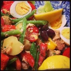 Salade Nicoise #jillstable Nicoise Salad, Cobb Salad, Salads, Table, Recipes, Food, Meal, Food Recipes, Essen