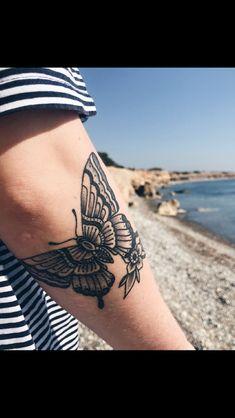 ideas tattoo traditional butterfly tat for 2019 - Tattoo Style Pretty Tattoos, Cute Tattoos, Beautiful Tattoos, Small Tattoos, Tatoos, Black Ink Tattoos, Body Art Tattoos, Hand Tattoos, Tattoo Arm Frau