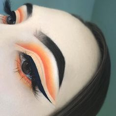 """17 • Self-taught on Instagram: """"H O T C H E E T O S Details: As promised, here is another look I created during a live chat!! Thank you so much to everyone that tuned…"""""""