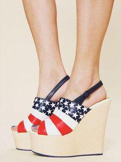 We <3 America! Saks.com shoes!   @les20Somethings