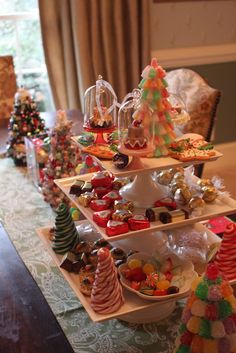 Breathtaking Christmas Brunch Table Decorations
