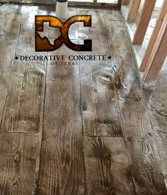 Stamped Concrete by Decorative Concrete Of Texas. That's concrete not wood!