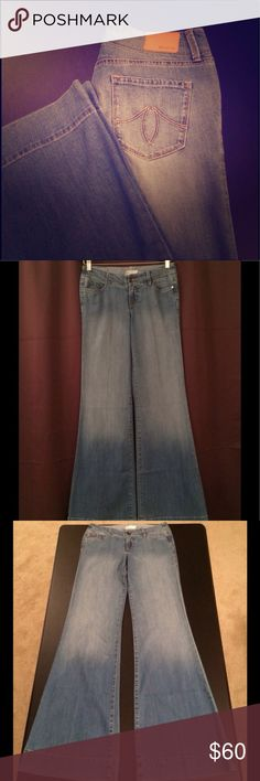 """💝SALE💝 🎀NWOT🎀👖Level 99 Dahlia Flare Jeans 🎀NEVER BEEN WORN🎀 super cute retro styled Level 99 Dahlia light wash wideleg jeans 👖36"""" inseam w/ 12"""" flare bottom 💞I love them, but they don't fit me... I hope they find a home that does!!😊 💲MAKE AN OFFER💲 💐15% OFF BUNDLE DISCOUNTS (2+)💐 🚫NO LOW BALLS, TRADES, OR PAYPAL  ✔️item exactly as shown Anthropologie Jeans Flare & Wide Leg"""