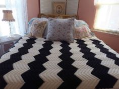 Vintage Handmade Crocheted Black White Zigzag Chevron Ripple Afghan Blanket | eBay