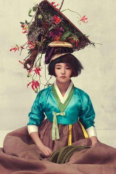 VOGUE Korea : fashion photo shoot with traditional clothes of Korea (hanbok)