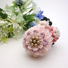 つまみ細工 コームかんざし 「花綴」ふわふわピンクの花集め