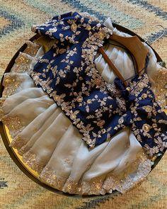Party Wear Indian Dresses, Indian Bridal Outfits, Dress Indian Style, Indian Designer Outfits, Choli Designs, Fancy Blouse Designs, Stylish Dress Designs, Saree Blouse Patterns, Designer Blouse Patterns