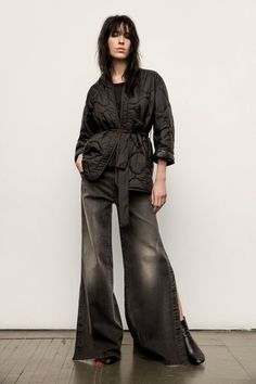 See the complete Nili Lotan Fall 2017 Ready-to-Wear collection.
