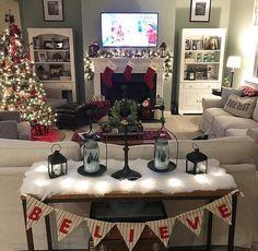 Christmas living room #indoorchristmasdecor