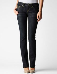 This jean definitely does dark denim justice. A classic straight leg fit rests comfortably on the hips and lengthens into a slightly roomy leg...