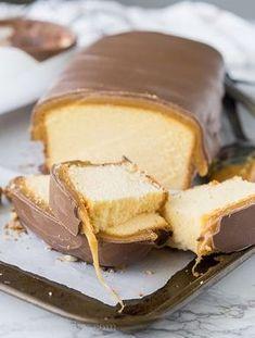 Makkelijk maar toch superlekker! Deze Twix cake zal gasten verrassen en je maakt hem in een handomdraai! - Zelfmaak ideetjes