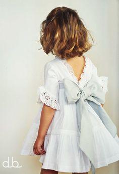 Vestido Olivia – Don Babero Little Fashion, Baby Girl Fashion, Kids Fashion, Dresses Kids Girl, Kids Outfits, Flower Girl Dresses, Flower Girls, Kind Mode, Kids Wear