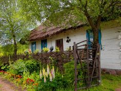 House with thatched roof. Storybook Cottage, Old Cottage, Thatched House, Thatched Roof, Wooden Architecture, Small Cottages, Central Europe, Rustic Design, My Dream Home