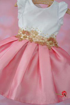 9243563fe8 Vestido de Festa Infantil Manuela Bordado Petit Cherie Saia Infantil