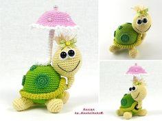 Die kleine Schildkröte bringt ihren eigenen Regenschirm mit ++ freut sich darauf, von Dir gehäkelt zu werden. Probiers gleich mal aus mit der PDF-Anleitung.