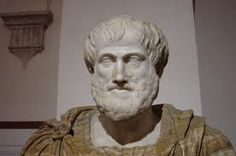 Aristóteles concibió el mundo natural desde una concepción creacionista y estática. Aristóteles ordeno la diversidad de los seres vivos imaginándolos dispuestos en peldaños de una escalera, la escala natural para Aristóteles correspondía a una interpretación del diseño elaborado por una mente divina  suprema