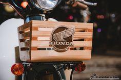 ScooterFest CaferacerCult 2015 Womens Motorcycle Helmets, Racing Helmets, Motorcycle Girls, Honda Stream, Moped Bike, Ducati Monster Custom, Honda Motorcycles, Vintage Motorcycles, Honda Cub