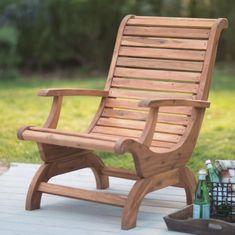 Die meisten Adirondack Stühle haben sehr gerade und einfache Linien. Im Gegensatz dazu hat diese Adirondack Stuhl weiche geschwungene Linien was bringt einen mehr natürlichen Reiz.