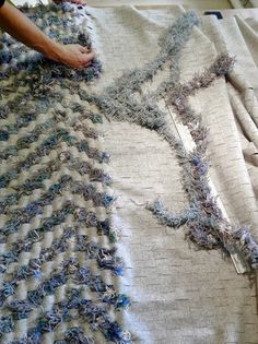 Re Rag Rug: latest recycled rug under construction. See first part here: http://reragrug.blogspot.se/2013/09/vi-tracklar-oss-fram.html