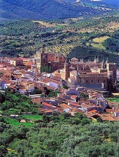 SPAIN / Cities, towns, landscapes - Guadalupe, Cáceres