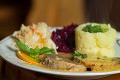 """Dzisiejsze danie dnia; Szynka pieczona w sosie własnym. Restauracja Biesiada z """"Hudym"""" Smalcem Kraków ul. Dobrego Pasterza 8 Zapraszamy #food #jedzenie #restauracja #Kraków #kochen  www.biesiada-krakow.pl"""