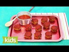 An easy beef recipe and quick kids recipe. Replace the beef mince with chicken mince to make an easy chicken meatloaf recipe. Get this kids recipe & shop ing. Muffin Tin Recipes, Oven Recipes, Baby Food Recipes, Meat Recipes, Cooking Recipes, Dinner Recipes, Chicken Meatloaf, Sweet Potato Nachos, Baby Eating