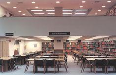 BLAA 50 años · Una biblioteca que crece con su público Conference Room, Table, Furniture, Home Decor, Banks, Decoration Home, Room Decor, Tables, Home Furnishings
