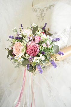 くすみピンクとラベンダーのナチュラルクラッチブーケ。すべて造花です。 Silk Flower Bouquets, Silk Flowers, Floral Wreath, Wreaths, Decor, Flowers, Floral Crown, Decoration, Door Wreaths