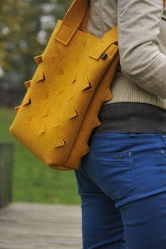 Dinosauří žlutá Gloves, Leather, Bags, Design, Fashion, Handbags, Moda, Fashion Styles