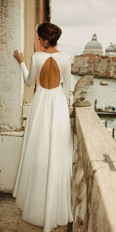 Simple Wedding Dress With Sleeves, Plain Wedding Dress, Wedding Dress Types, Open Back Wedding Dress, Black Wedding Dresses, Long Sleeve Wedding, Simple Country Wedding Dresses, Long Sleeved Wedding Dresses, Fall Wedding Gowns