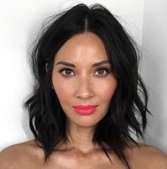 Olivia Munn Gets A Lob! - Plus More Stunning Celebrity Haircuts In 2016 - The Singapore Women's Weekly Medium Hair Styles, Curly Hair Styles, Celebrity Haircuts, Shoulder Hair, Shoulder Length, Pretty Hairstyles, Short Dark Hairstyles, Hairstyles Videos, Casual Hairstyles