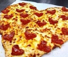 This pizza must have been made just for me! I love pepperoni pizza. Love the heart shaped pep's and the pizza too. Valentines Day Pizza, Valentines Recipes, Valentine Stuff, Valentine Hearts, Pizza Lover, Heart Shaped Pizza, Food Porn, I Love Pizza, Perfect Pizza
