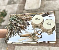 Söz tepsisi – - Es Tutorial and Ideas Ring Holder Wedding, Ring Pillow Wedding, Engagement Ring Platter, Wedding Engagement, Wedding Gift Boxes, Wedding Gifts, Engagement Decorations, Wedding Decorations, Box Design