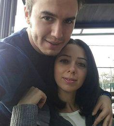 Mustafa Ceceli evli mi?