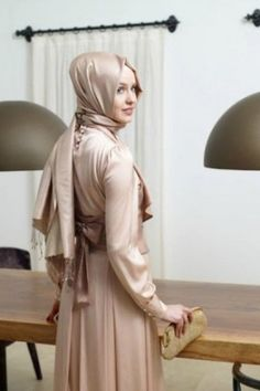 Recently Kayra has launched Latest Abaya / Hijab Collection 2012 for Muslim Girls Ladies. Kayra is brand of Turki was founded since Wear Hijab leading companies, Kayra Clothing, ladies coats, jackets overcoats hijab garment manufactur. Muslim Girls, Muslim Women, Abaya Designs Latest, Hijab Collection, Coats For Women, Clothes For Women, Girls Crop Tops, Islamic Fashion, Islamic Clothing