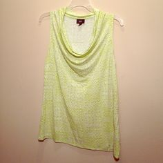 Beautiful Mossimo Tank Beautiful green tank by Mossimo. Great condition. 100% rayon. Mossimo Supply Co. Tops Tank Tops