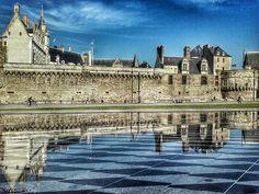 Chateau-des-ducs-de-bretagne-miroir-d-eau