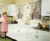1945 Youngstown KITCHENS Catalog ~ Home Design Decoration Cabinets Sinks Layouts in Books, Catalogs, Other Catalogs Living Vintage, Vintage Room, Vintage Apron, Vintage Homes, 1940s Kitchen, Vintage Kitchen, Retro Kitchens, Bed In Living Room, Home And Living
